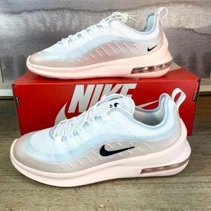 Shoes - NEW Nike AIr Max Axis / 7.5